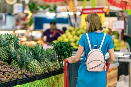 Comment inciter les clients à acheter plus en supermarché